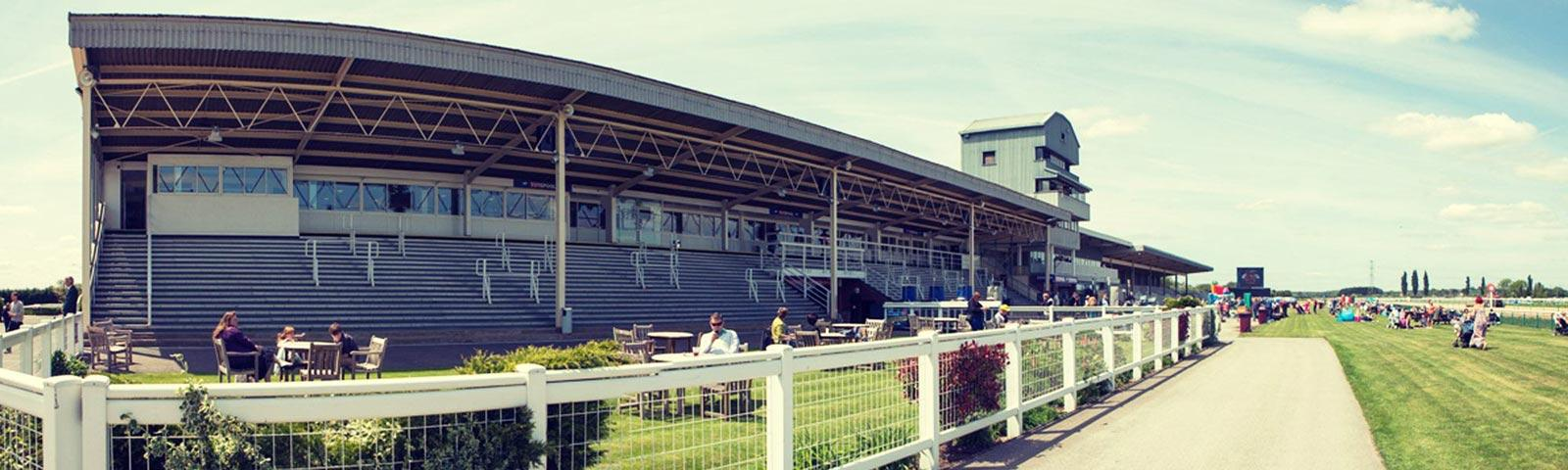 A sunny day at Southwell Racecourse