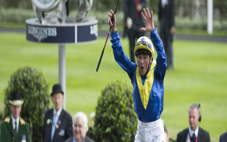 Dettori plays his part in Southwell history